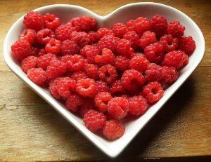 raspberries-215858_960_720